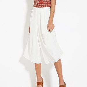 {forever 21} wide leg culotte white pant spring